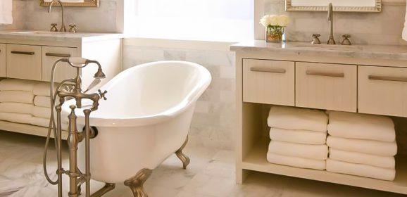 Clawfoot Bathtubs: Add Vintage Charm to Your Bathroom