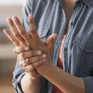 Arthritis Equipment that Can Help when Your Condition Interferes with Daily Life