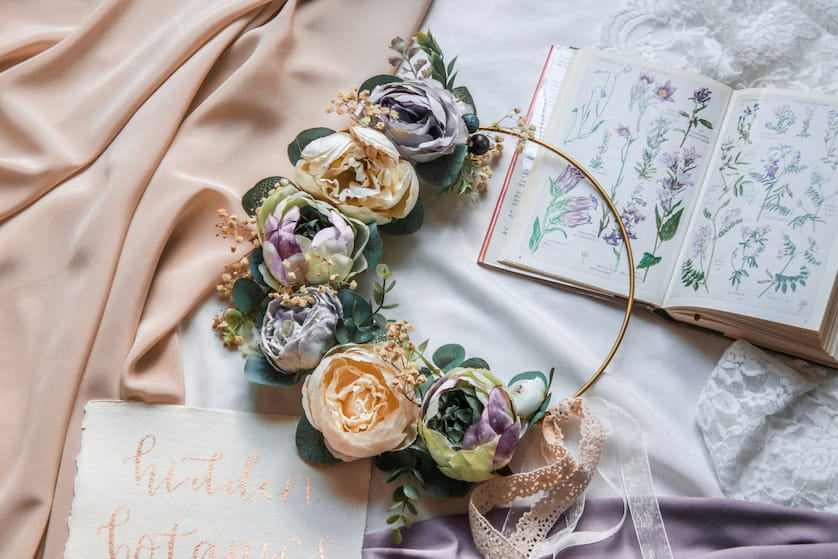 wedding accessories with silk flowers