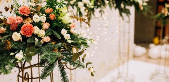 Silk Wedding Bouquets: Reasons to Use Artificial Flowers on Your Big Day