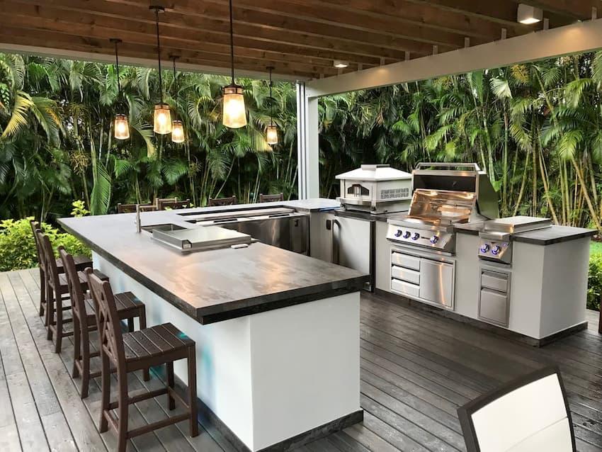 Modern-Outdoor-Kitchen