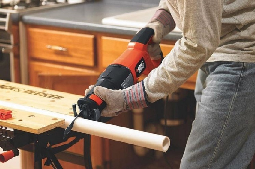 Using Reciprocating Saws