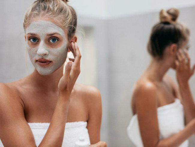 anti-pickel-maske-verwenden-standard-face-masks