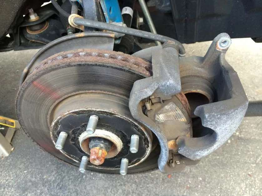 brake pads for toyota hilux