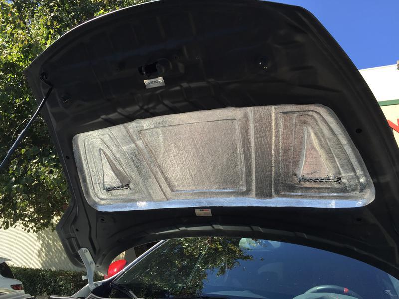 hood heat deflector