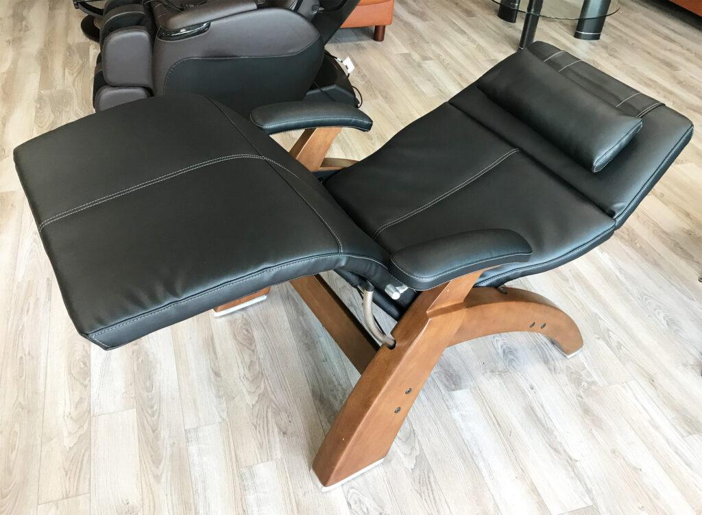 human touch chair black